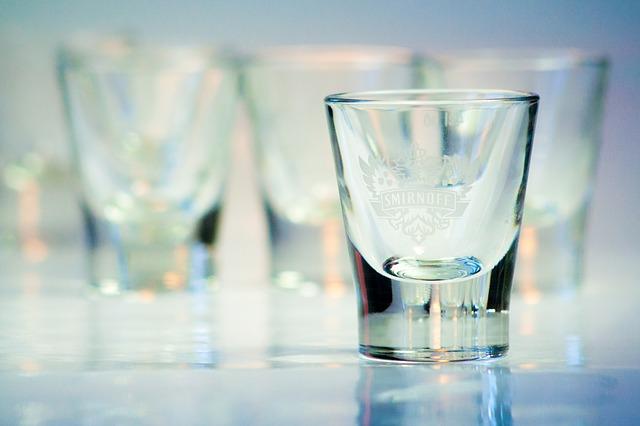glass-663093_640